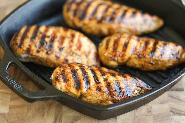 Ropogósra sült fűszeres csirkemell, mely belül puha és omlós, fantasztikus ízekkel! Ilyen finomat nem kapsz sehol! Ha ezt a receptet kipróbál...