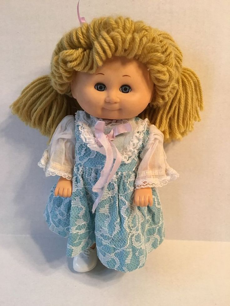 "Vintage Playmates 1981 Walking Doll 10"" 9100 Blonde Battery Operated 