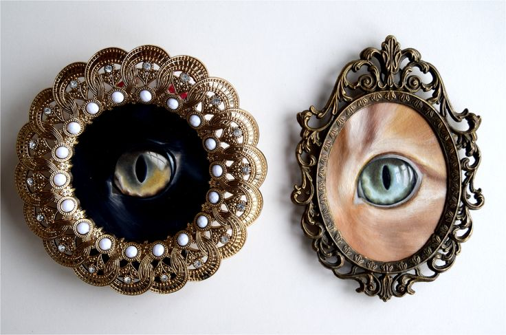 Cat's eyes oil paintings for the LA Cat Art Show '16 in the style of lovers eyes - in thrifted ornate frames
