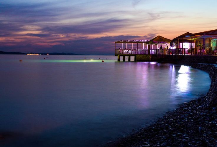Hitch Bar in Zadar | Beach Daze | Travel & Style Blog - With An M. | www.withanm.com