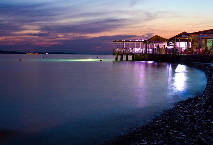 Hitch Bar in Zadar   Beach Daze   Travel & Style Blog - With An M.   www.withanm.com