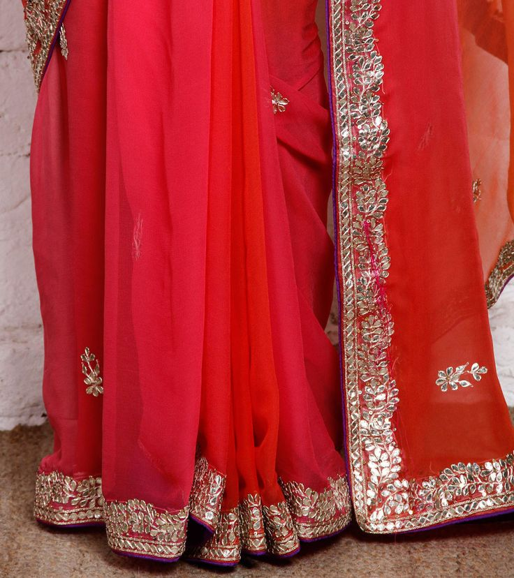 Nafisa Rachel William is a label started in 2011 and designs exclusive sarees, suits & dupattas.