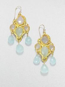 Beautiful earrings for a winter wedding