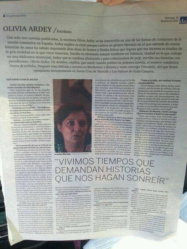 """""""Vivimos tiempos que demandan historias que nos hagan sonreir"""". Suplemento cultural Diario de Avisos de Tenerife domingo 16.6.2013"""