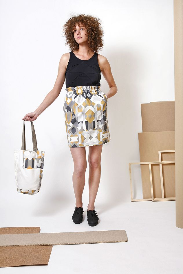 This linen skirt, printed with unique geometric graphics, from the musume 2014 S/S collection is for real connoisseurs!