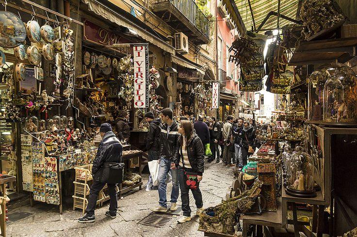 Napoli, mercatini di Natale a San Gregorio Armeno