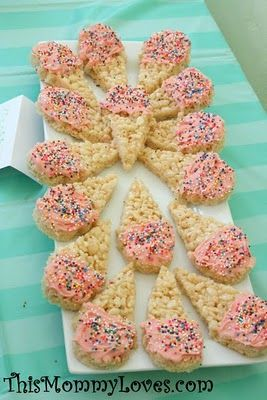 Rice krispy treats. These are precious. I will do these for a birthday party for our babies.
