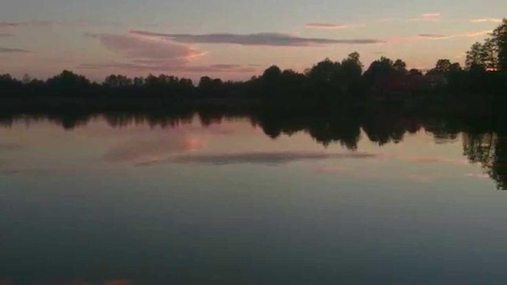 Wieczorna panorama jeziora Czarna Kuta - widok z Mazurskiego Raju