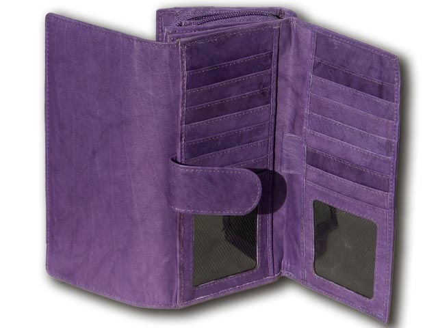 We have brought for you a very well known design in beautiful smooth leather & also in rainbow colours.