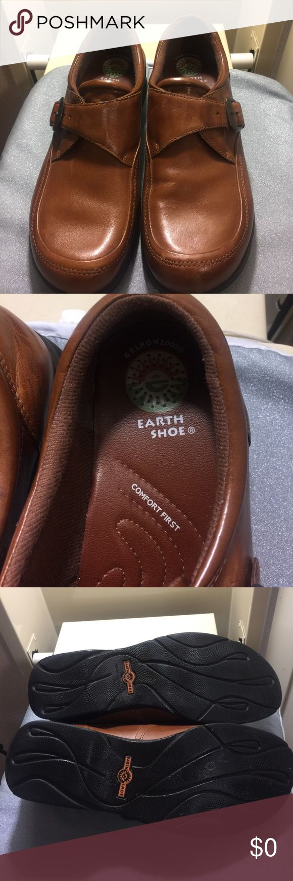 Brown Earth Shoe In great condition! Brown Earth shoe. Gelron 2000. Rubber sole with brown brass buckle. Please see pics for condition. Earth Shoe Shoes