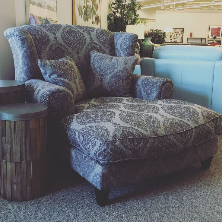 A new chaise.... and what a chaise!  The Keela just arrived at Sofa Land!  Do you love it??? --------------------------------------- #Chaise #Fabric #Traditional #Comfort #BeautifulFurniture #Furniture #yeg #yyc #yegFurniture #yycFurniture #InteriorDesign #yegInteriorDesign #yycInteriorDesign