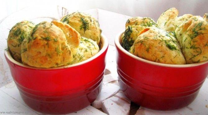 Een leuk zelf gebakken broodje, voor bij een voorgerect, salade of soep. Het recept is van Aranka en komt van haar blog natriumarm. Wat heb je nodig? Deeg: 1 eetl lauwwarm water ¾ theelepel gedroogde gist ½ theelepel suiker 190 gram bloem 1/8 theelepel zeezout 75 gram (magere) melk, op …