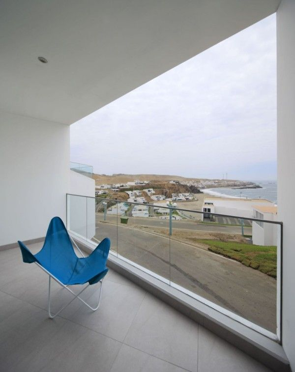 Unique Chair from Contemporary House Design Ideas With View Of The Beach 600x757 Contemporary House Design Ideas With View Of The Beach
