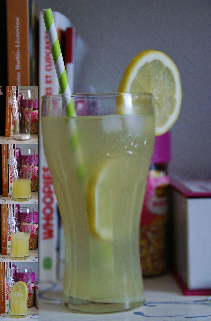 Il vous faut : des citrons du sucre de l'eau des glaçons Les étapes : Versez une cuillère à soupe de sucre dans votre verre. Ajoutez le jus d'un citron, puis les glaçons et la rondell…