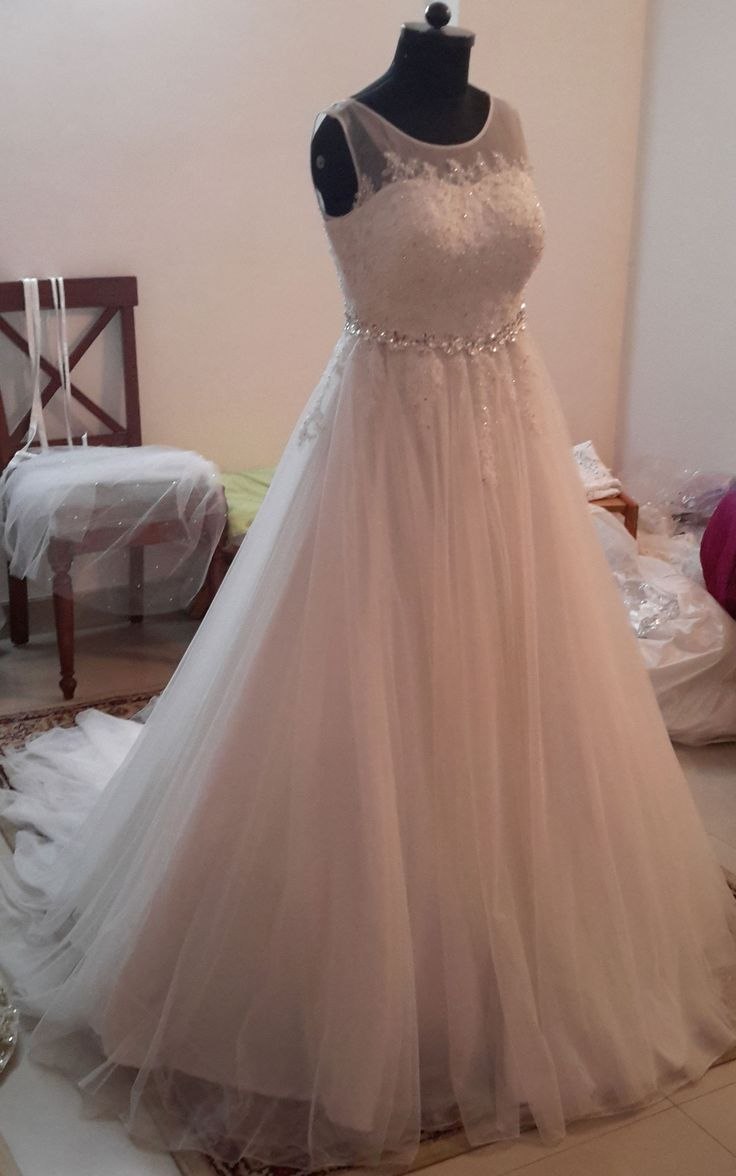 169 best party gowns images on Pinterest | Party gowns, Wedding ...
