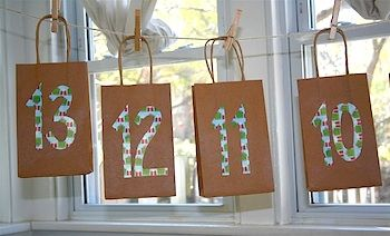 Advent bags, so going to do this one this year.: Weekend Lisa, Advent Bags, Bags Advent, Paper Bags, Years Advent, Advent Calendar, Christmas, Advent Ideas, Photographers Journals