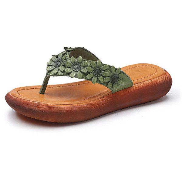 SOCOFY Flower Clip Toe Vintage Flip Flops (60 BAM) ❤ liked on Polyvore featuring shoes, sandals, flip flops, leather slip on sandals, mid-heel sandals, flower sandals, slip on sandals and summer flip flops