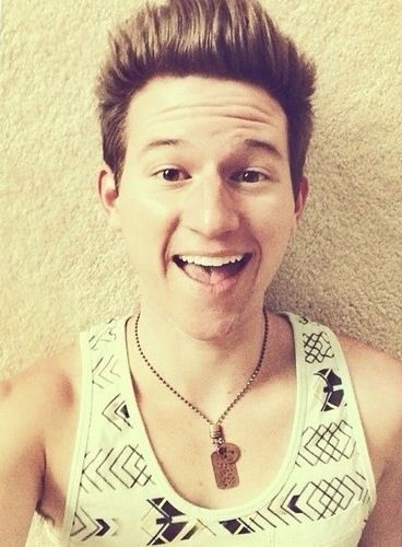 Happy birthday to the one and only ricky dillon! You are one of the funniest people on YouTube and you can always make me smile no matter what. Keep reaching for your dreams and I know things will continue to get bigger and better for you from here. Thanks for sharing your life with me and all if your other viewers!