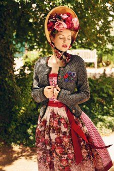 194 best images about volk folk on pinterest dirndl postcards and costumes. Black Bedroom Furniture Sets. Home Design Ideas