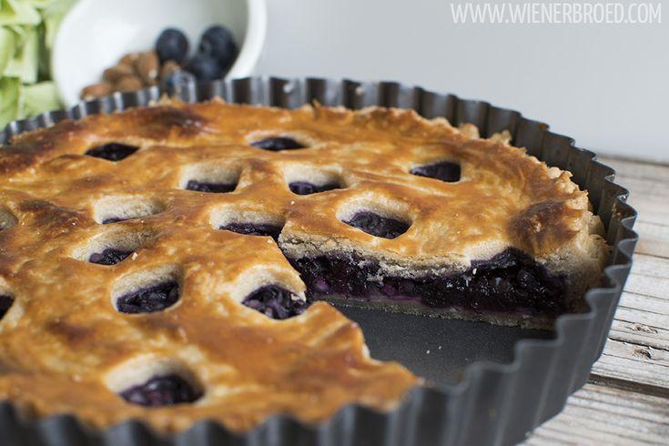 Rezept für einen leckeren Blaubeer-Mandel-Pie, das richtige Soulfood bei Schmuddelwetter! Schmeckt am besten lauwarm, vielleicht mit einer Kugel Vanille-Eis