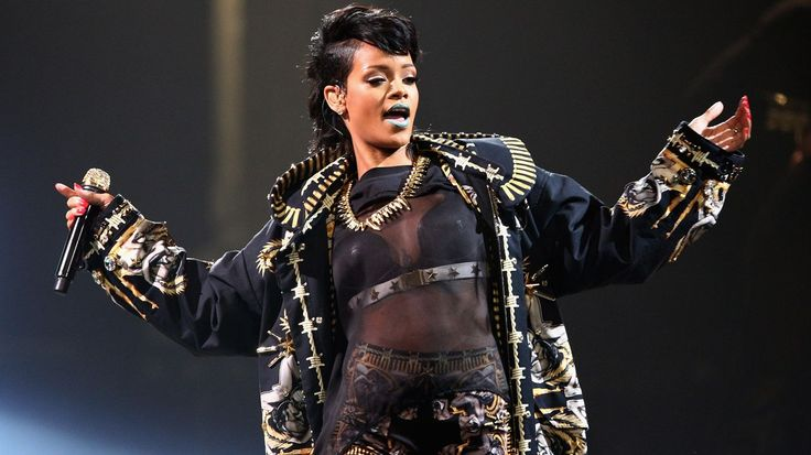Readers' Poll: The 10 Best Rihanna Songs #headphones #music #headphones