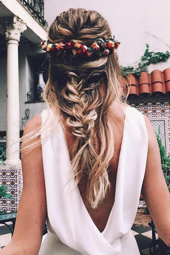 To emphasize tenderness, bride should choose wedding hairstyles with flowers. We have collected stunning hairstyle ideas for you.