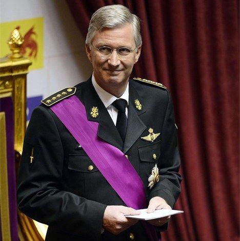 Troonswissel - Koning Filip legt de eed af