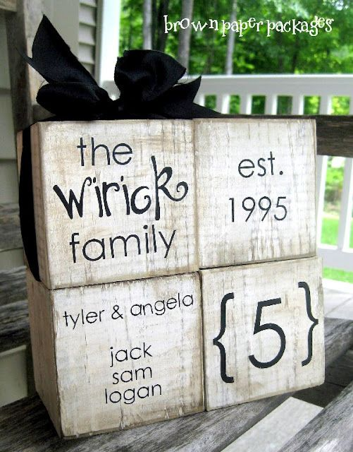family blocks~ this lady has some wonderful stuff on her sight!Wood Block, Crafts Ideas, Wedding Gift, Custom Families, Gift Ideas, Cute Ideas, Families Block, Christmas Gift, Front Porches
