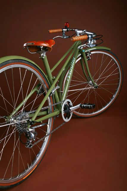 A new category of bicycles? Vintage with steampunk influence? by Vanilla Bicycles.