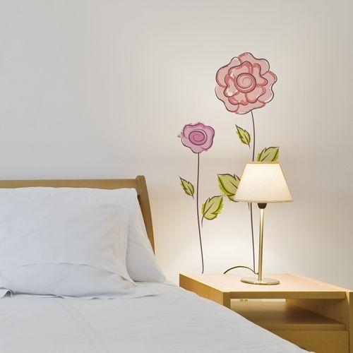 Flores dibujadas para darle un toque primaveral a tu for Vinilo decorativo para habitacion