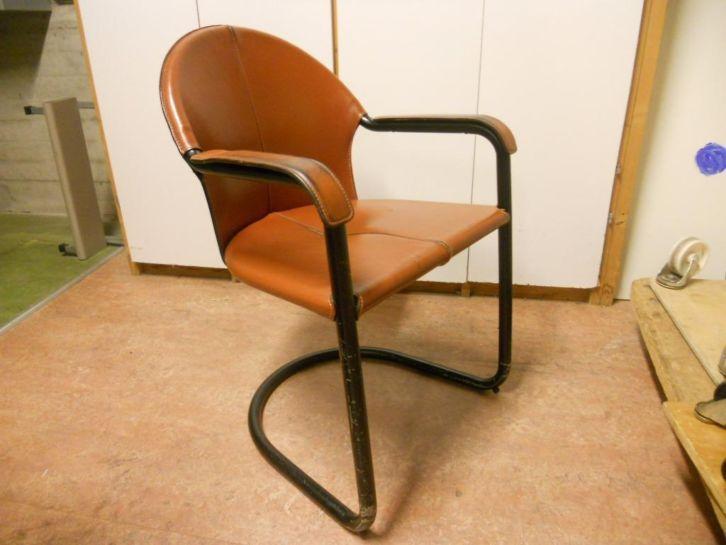 Retro stoelen - € 5,00