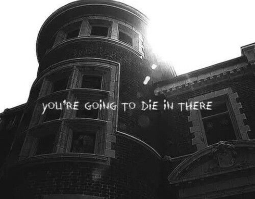 American horror story - Murder house. Best intro to a series ever.