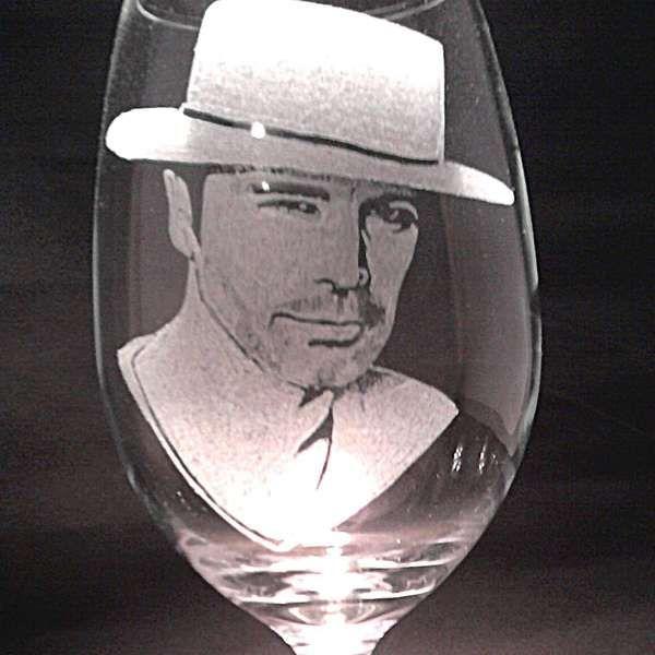 El misterio tras la copa que lleva el rostro de Camiroaga