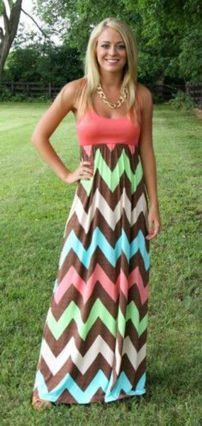 Stunning Women's Boho Maxi Dress features full length skirt and adorable Chevron Print design. Features an empire waistline and O neck. See Size Chart in Pictures for the measurements of these dresses