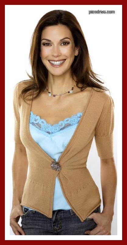 Teri Hatcher - lovely top,cardigan & beads