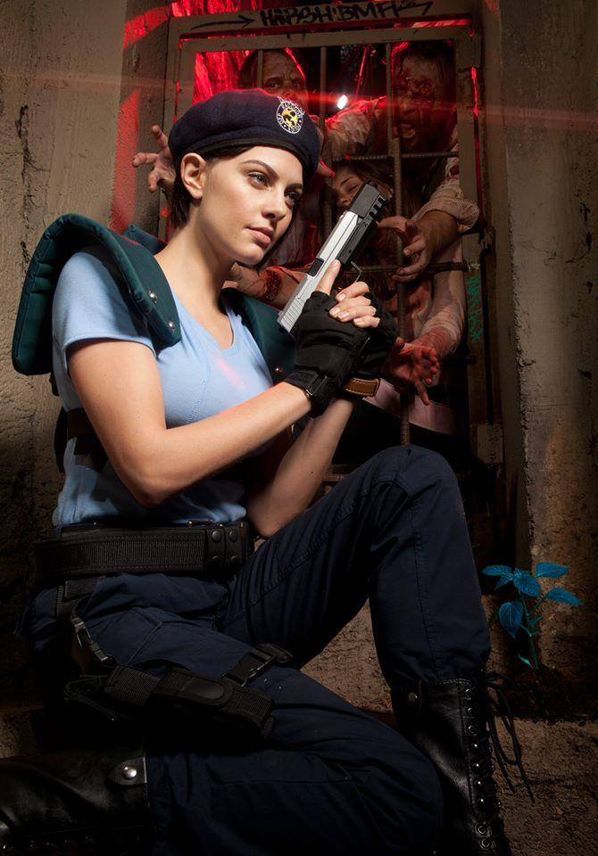 Julia Voth faz nova sessão de fotos como Jill Valentine | REVIL |