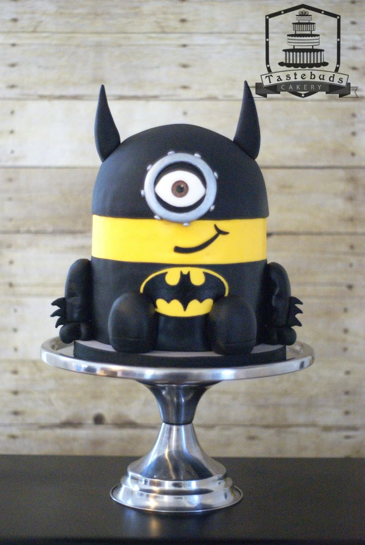 Batman Minion Cake