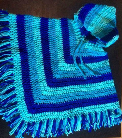 Crochet poncho rayado