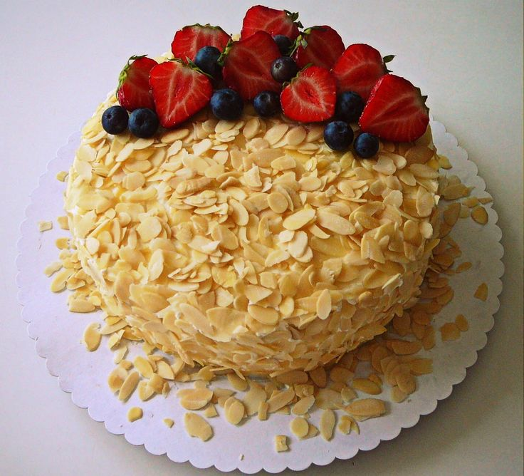 Living the Sweet Life: Orechová torta s mascarpone krémom