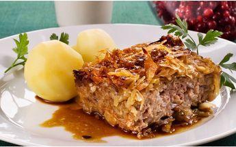 Kålpudding - en riktigt svensk klassiker! Servera med kokt potatis, sås och rårörda lingon. Passa på att göra lite extra och frys in.
