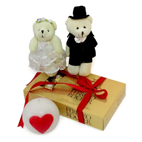 Send Valentine Gifts to UK for Wife at Reasonable Price.