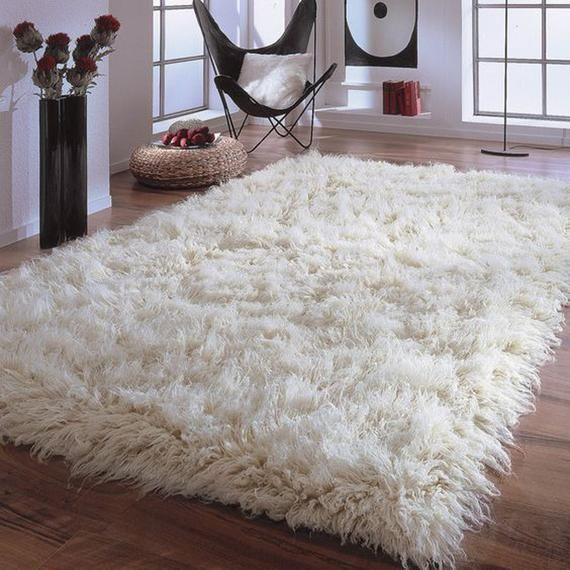 Sink Your Feet Into This Amazing 6 X 9 Ultra Thick Flokati Rug Boasts An All Organic 4 Wool Pile Soft And Fluffy 4 Flokati Rug White Flokati Rug Flokati Rugs