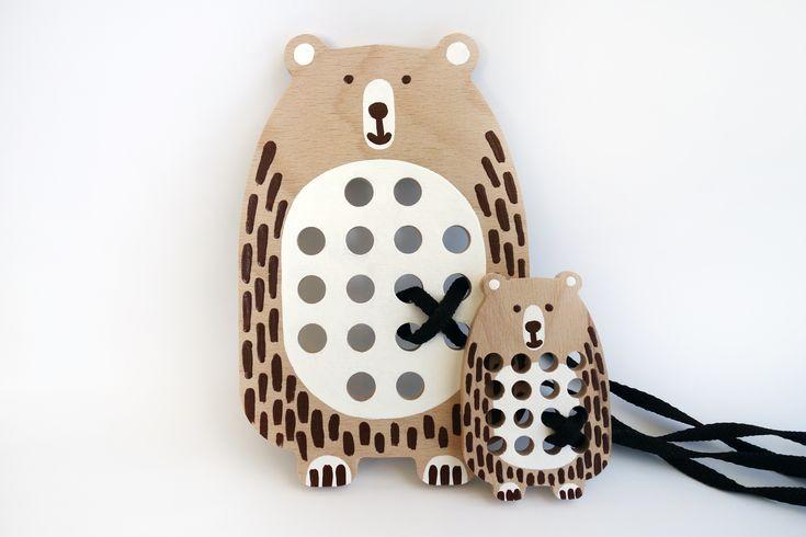 Velký medvěd - dřevěná provlékací hračka