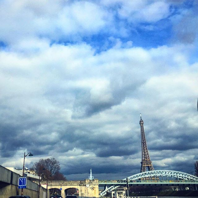 Paris is always a good Idea #paris #france #france🇫🇷 #法國 #巴黎 #フランス #パリ #francia #frankreich #파리 #프랑스  #prancis #friday #فرانسه #frança #франция #парис #ฝรั่งเศส #ปารีส #fransa #pháp #eiffel #tower #bluesky #tgif #architecture #architectureporn #architecturelovers #picoftheday #photooftheday