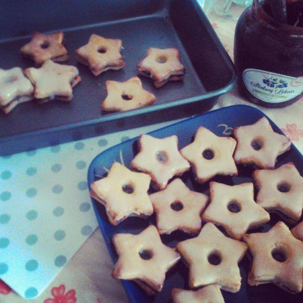 Zdravé linecké hviezdičky - Tento druh vianočného pečiva je môj najobľúbenejší a preto si dovolím odporučiť ho vyskúšať aj vám :)