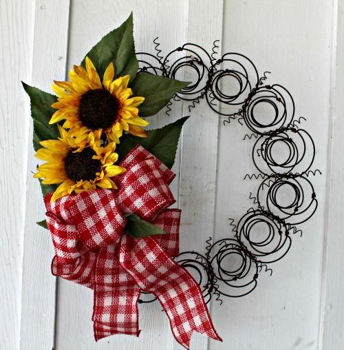 20 North Ora: Spring Wreath