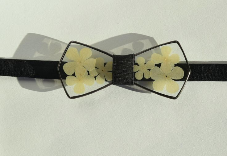 Guelder rose bow tie Glass bow tieHerbarium accessories Unisex  Christmas present Unique gift Floral Bow ties Gift for her Gift for him by terezavarga on Etsy