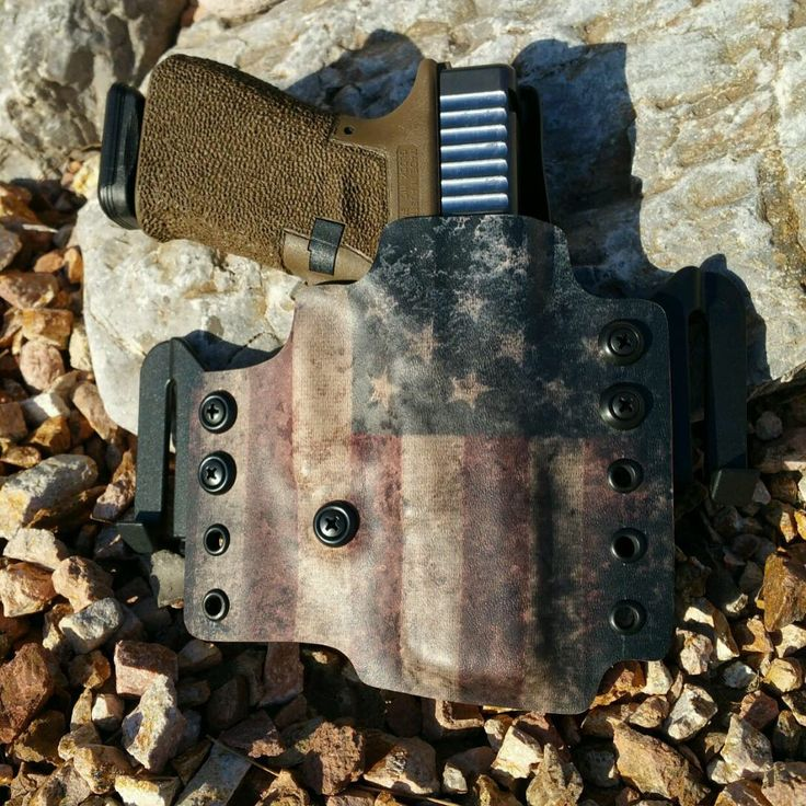 Glock 19 custom kydex holster from DB holsters.  See DBholsters.com Find our speedloader now! http://www.amazon.com/shops/raeind