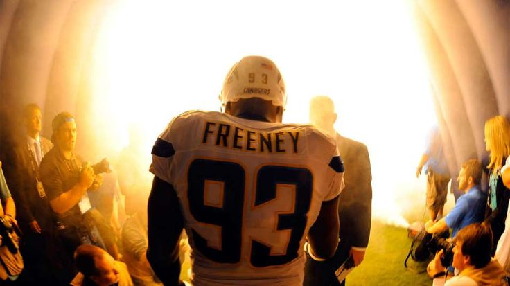 Late rush: Chargers counting on the old Dwight Freeney, not an old Dwight Freeney | FOX Sports on MSN