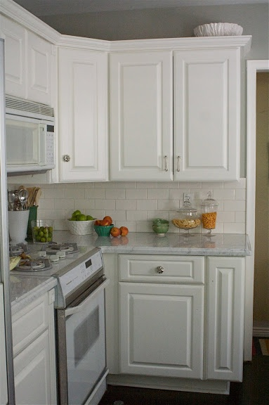 89 best paint colors images on pinterest homes living for Benjamin moore white dove kitchen cabinets
